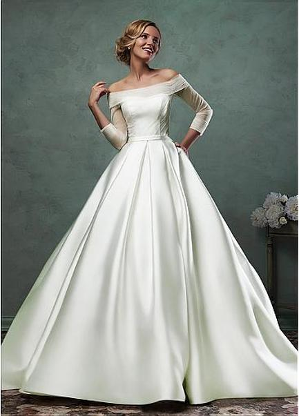 A Much More Understated Yet Elegant Wedding Dress That Perfectly Suits A Winter  Wedding. Very Classy.