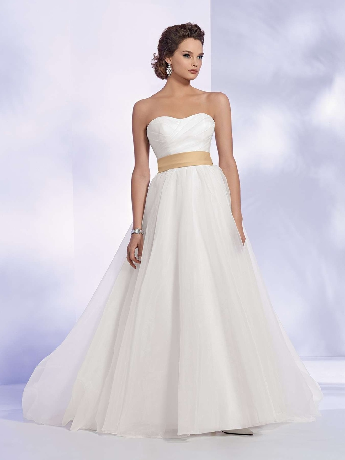 Unique wedding dress alternative wedding dress alternate wedding - Picture Picture Benjamin Roberts 2605 Benjamin Roberts Wedding Dress Affordable Alternatives To Benjamin Roberts